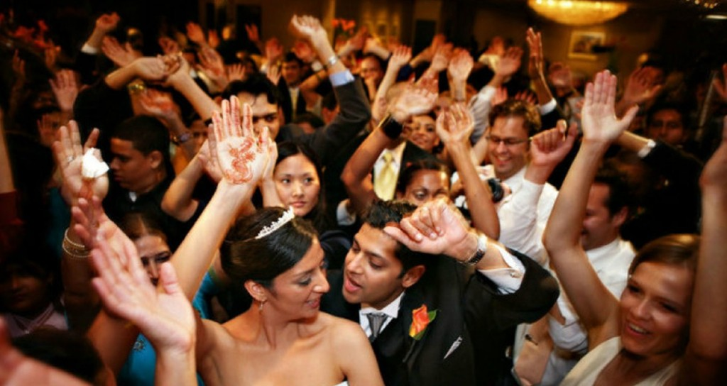 How To Dj A Wedding March 3 2016 435 Views 1 Minute Read Photo Digitaltips