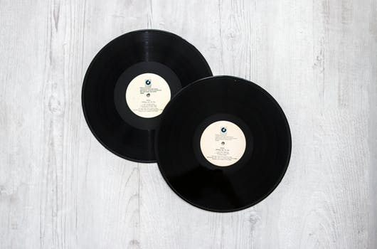 pexels-photo-Vinyl2